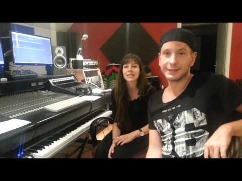 Ella dans le studio LB Records à Genève