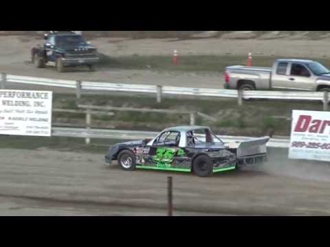 Pro Truck Heat Race #1 at Crystal Motor Speedway, Michigan on 07-02-16.