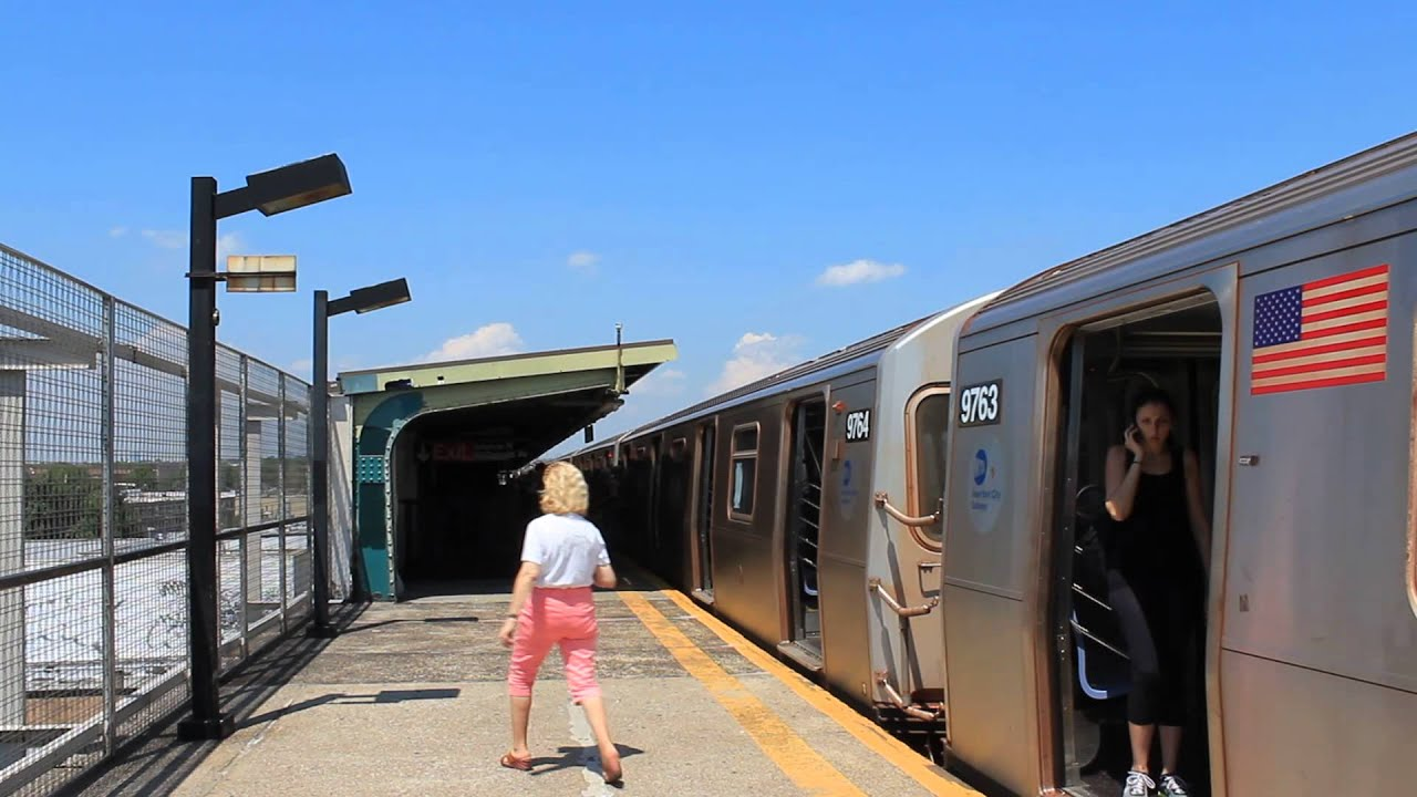 IND Subway: Coney Island Bound R160 (F) Train at Avenue N ...