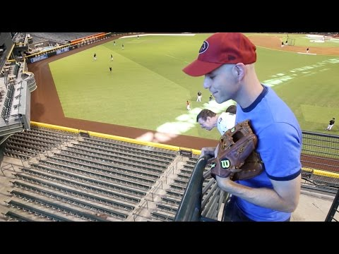Catching my 9,000th baseball at Chase Field