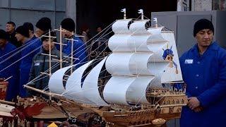 Флотилию сувенирных кораблей из зоны показали прокурору ЮКО