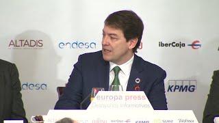 Mañueco exige a Sánchez que se reúna con el resto de presidentes