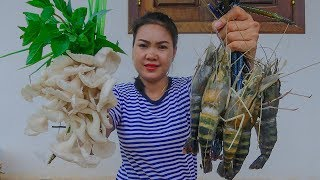 Cooking Technique: Yummy Tom Yum Soup with Big Shrimp | Cooking Big Shrimp in My Village