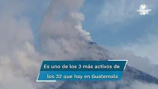 De acuerdo con el Instituto Nacional de Sismología, Vulcanología, Meteorología e Hidrología, el flujo del coloso de 3 mil 763 metros sobre el nivel del mar, ya se desplazó unos 6 kilómetros y alcanzó la base del volcán