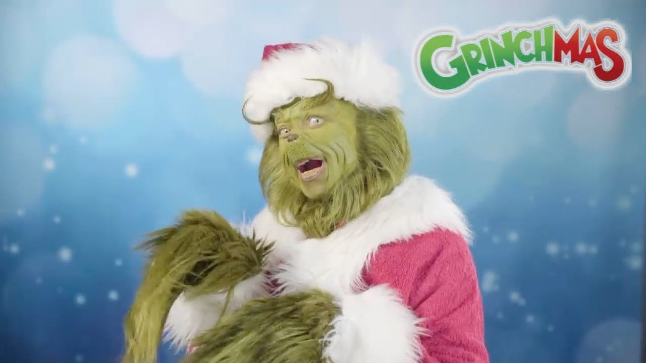 The Grinch Pranks Florida Mall Shoppers - Universal Orlando Resort