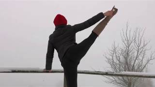 Bupshi - outdoor stretching in boots