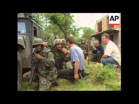 Bosnia - Serbs attack returning Muslims