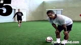 NEYMAR, CRISTIANO RONALDO AND RONALDINHO FREESTYLE
