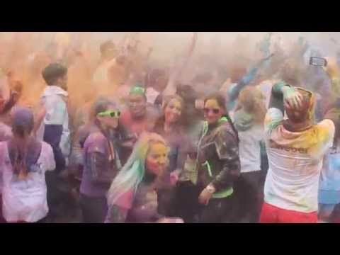 Farbám neujdeš 2015 Bratislava