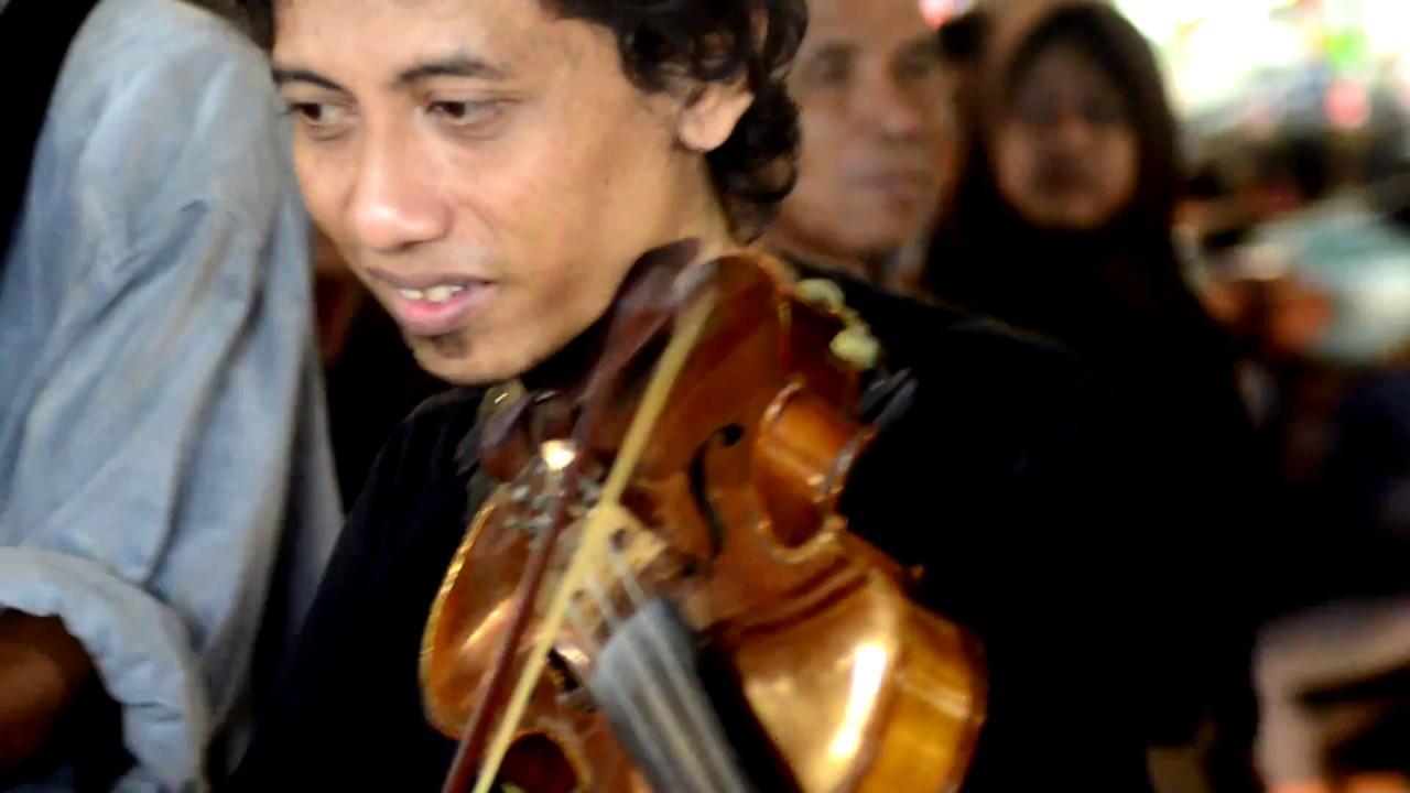 Yank (Cover Wali Band) oleh Pengamen Jogja - YouTube
