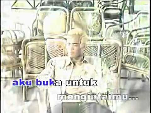 EXISTS - Mengintai Dari Tirai Kamar.mp4