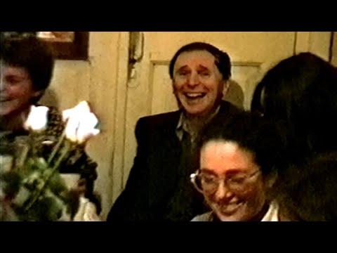 А.А.Зализняк в 1995 году, 60-летие Е.В.Падучевой, застолье
