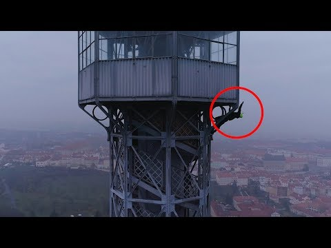 BNT 161 LAMAX Prague Eiffel Tower (urban climbing)