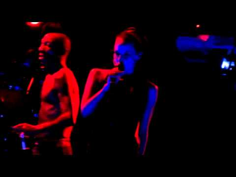 Tricky @ Groove - Murder Weapon (2011-05-21) [bad audio]