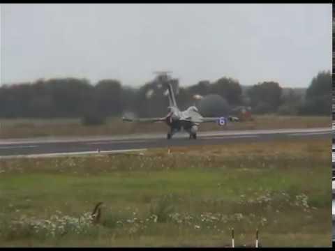 Download Dutch F16 Flying Display, NAW2 Airshow 2003, MFG2