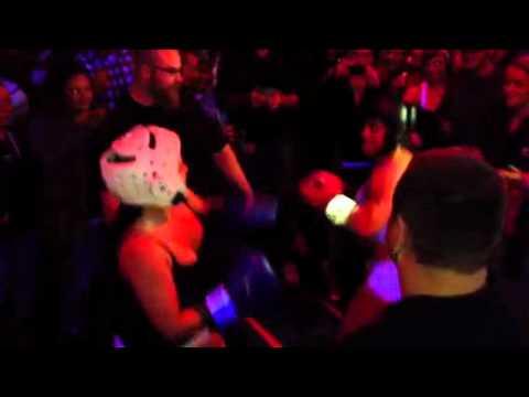 Robin foxy boxing