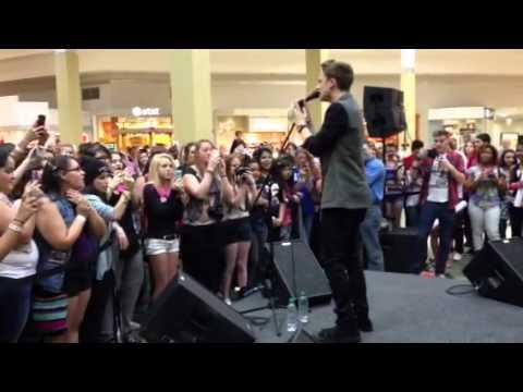 "Conor Maynard sings Nicki Minaj ""Starships"" Cover live"
