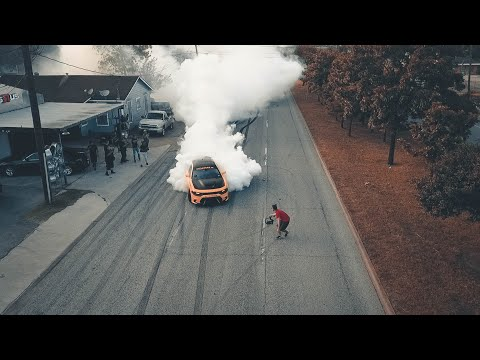 BIGGEST BURNOUT ON WAYSIDE DR (ALMOST CAUGHT BY COPS!!)