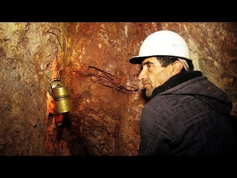 #83 Chilean Gold Miners - Living Atlas Chile