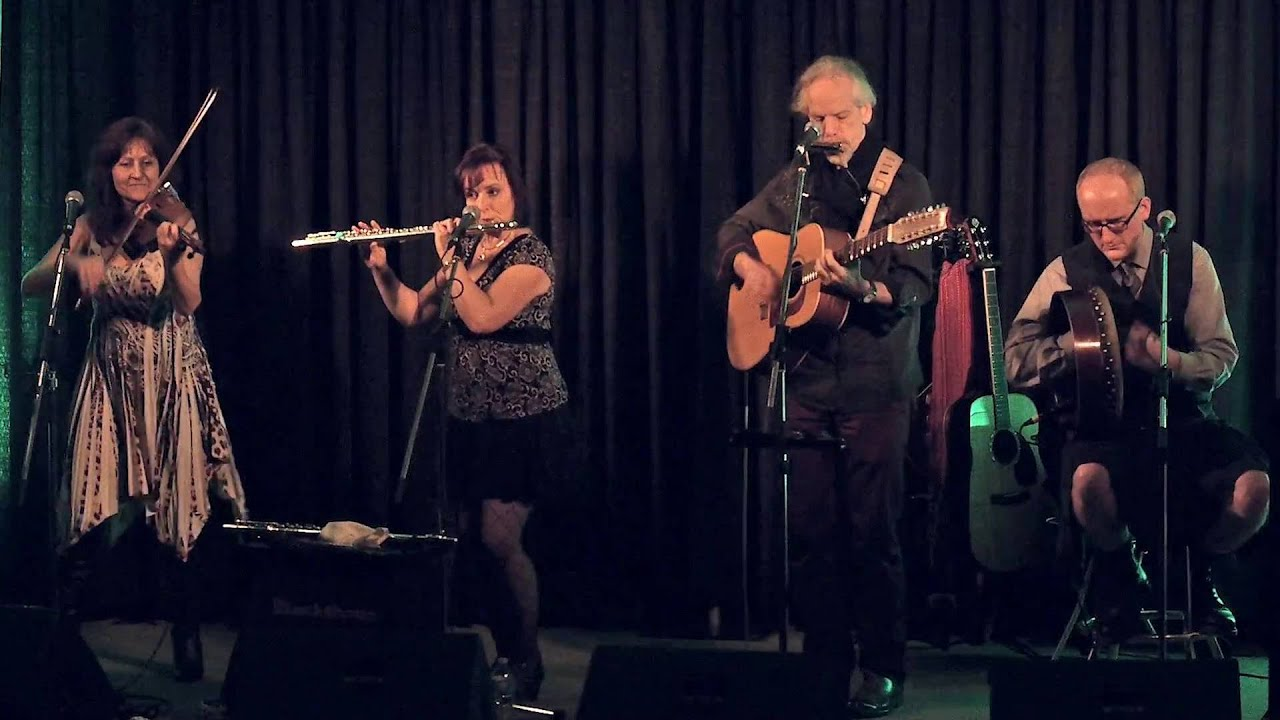 Blackthorn - Celtic folk group playing the traditional music