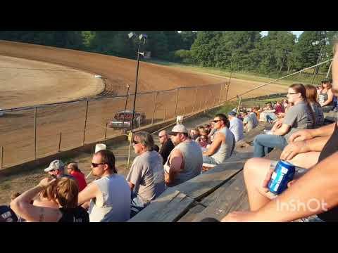 Larry kulikowski Jr heat race win 6/16/18