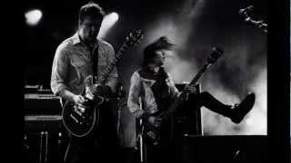Queens of the Stone Age - Everybody's Gonna Be Happy (Subtitulado)