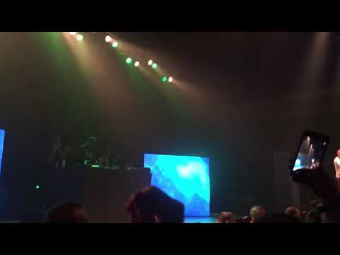 Lil Skies Breaks Up A Fight During Cloudy Skies / Live At The Rave