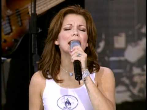 Martina McBride - I Love You (Live at Farm Aid 2001)