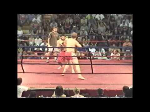 Eric Red Schafer fights Jason Veach