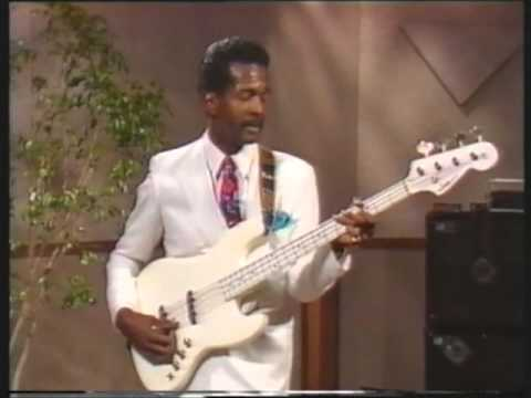 Larry Graham Right Hand Technique