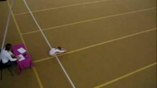 Аня, спортивная гимнастика, упражнение (24.12.2009)