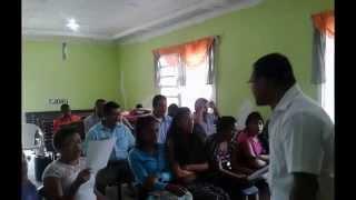 Llama el Salvador Iglesia de Cristo en Río Gatún Colón Panamá