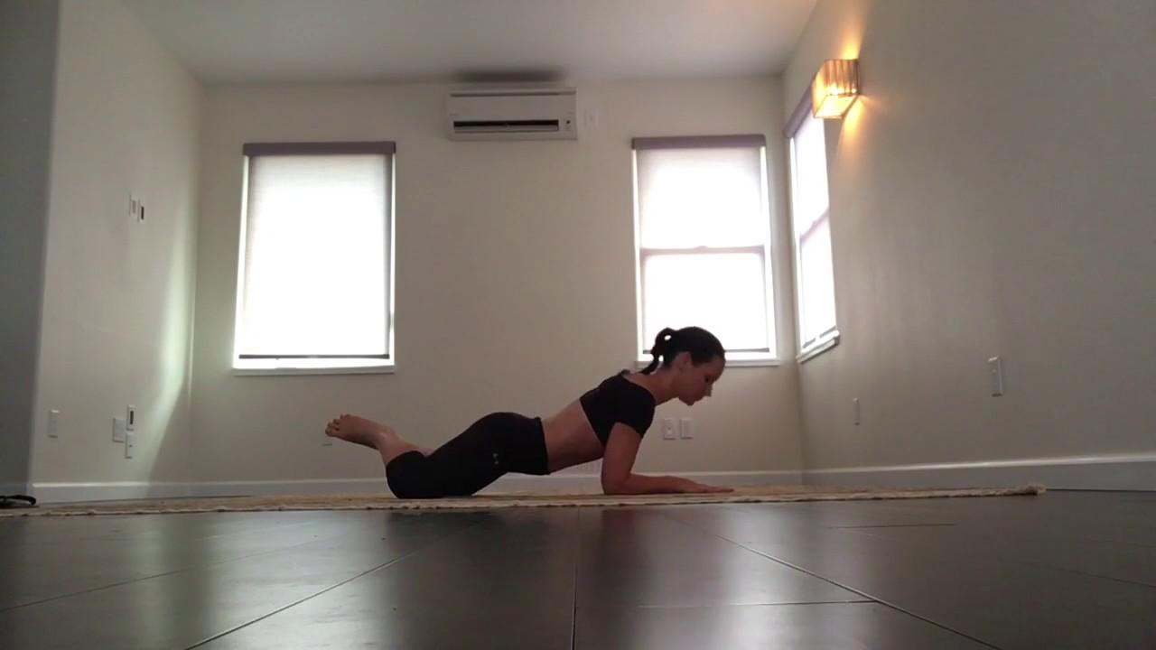 Evangeline lilly yoga
