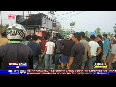 Ratusan Warga Serang Mapolres Muro Sijunjung