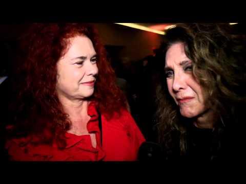 Depoimentos de Wanderléa e Sandra Perez na pré-estreia de NÃO PARE NA PISTA