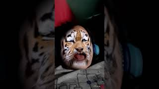 Funny baby Tiger singing katy Perry roar