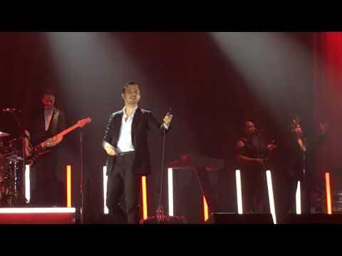 Hurts - Miracle (desire tour 2017) Ukraine...