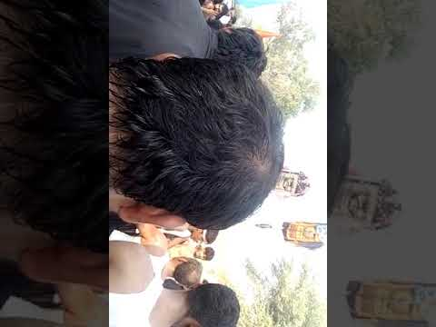 Malik Ali Abbas apny Gao main pursa dayty howy Chak no 141 neko Chak khukharan