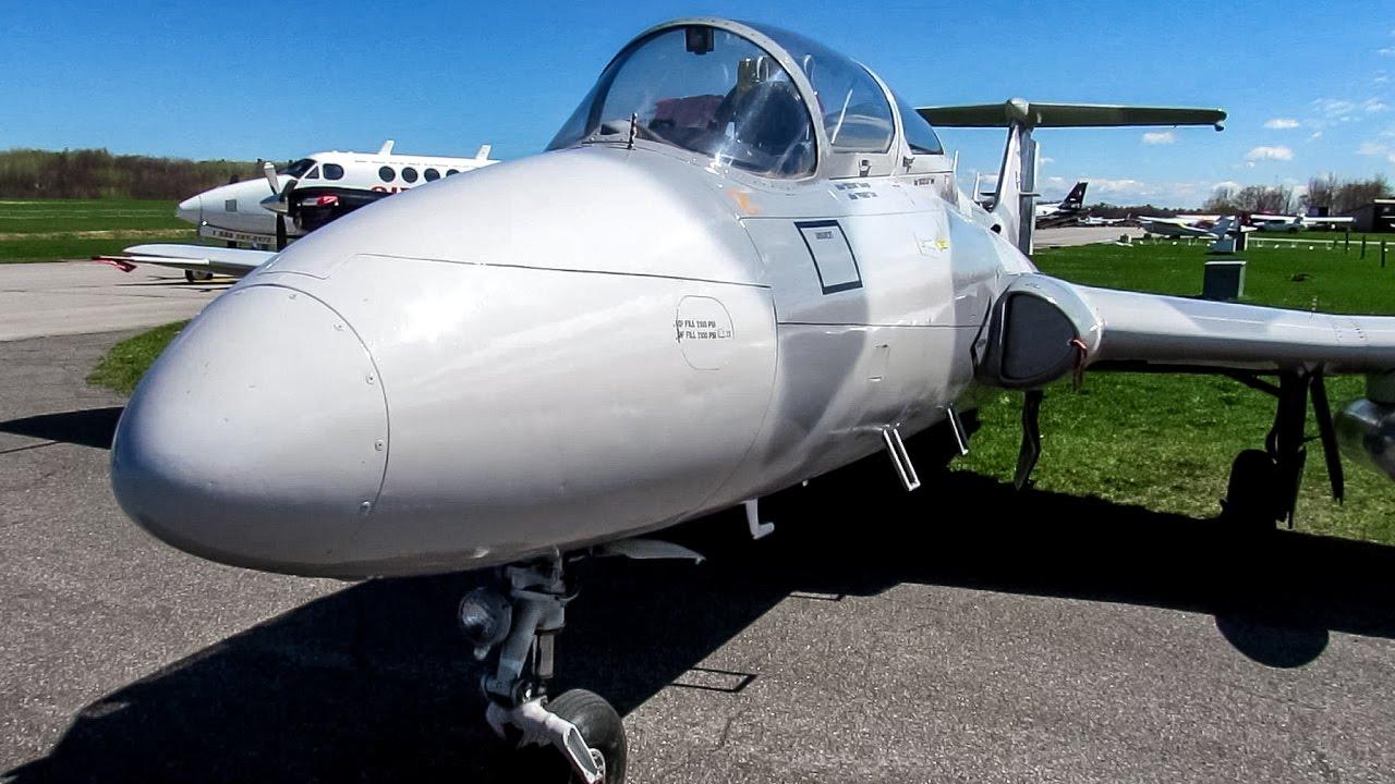 Л-29 (дельфин) учебно-тренировочный самолет. Производился в чехии. Разработчик – кб