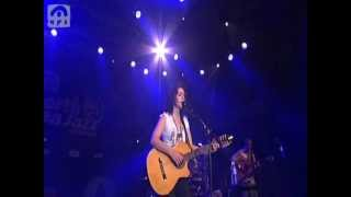 Katie Melua - Nine million bicycles (live NSJ)
