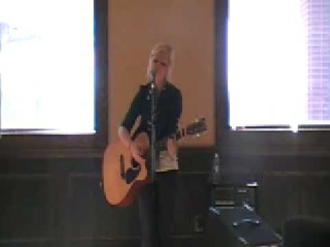 Valerie Custer performs at PUC2