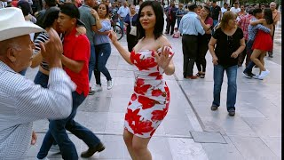 💃MariCarmen en el baile de la plaza en jueves💃