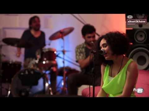 Yasemin Mori - Deli Bando (Akustikhane)