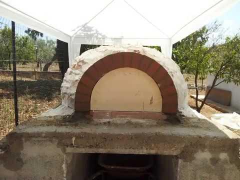 Autocostruzione forno a legna in gesso youtube for Forno a legna in mattoni refrattari