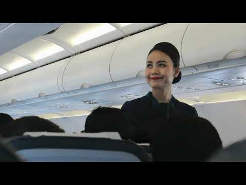 BEAUTIFUL CABIN CREW ONBOARD FLIGHT! JC INTERNATIONAL AIRLINES QD675 PHNOM PENH TO SINGAPORE