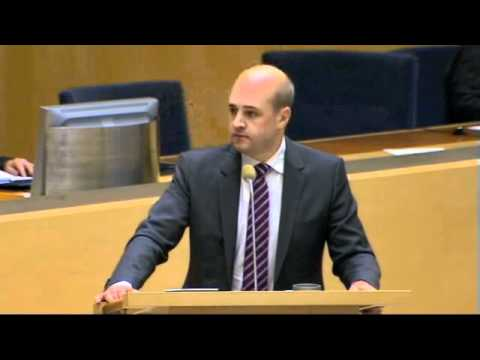 "Reinfeldt får slut på argument, kallar Sjöstedt ""kåmmunist!"""