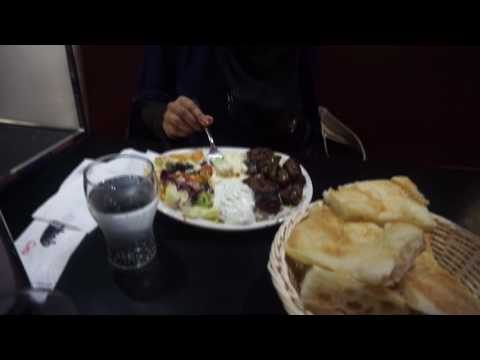 How To Eat with a NIQAB in a Restaurant - BLOOPER VERSION