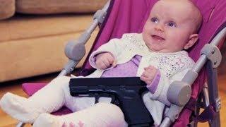 Μωρό Με Ένα Όπλο
