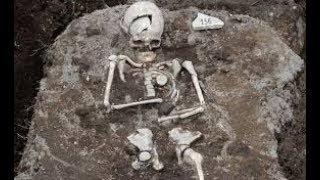 Археологи нашли пещеру в которой  уже 6000 лет исче зают л юди. Самое таинственное в мире. Док.фильм