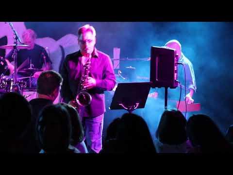 """Thundercrack"" The E Street Shuffle At The Stone Pony"